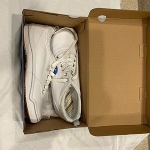 White keds (leather) new with tags size 7